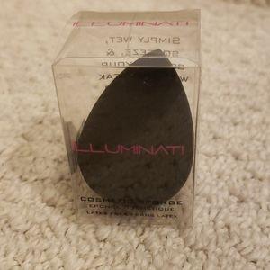 FREE - ILLUMINATI makeup sponge